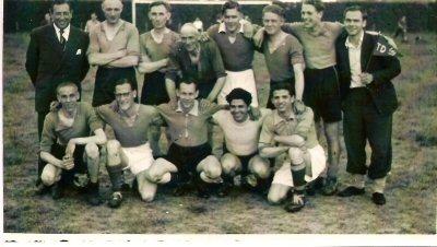 1959  Voetbalteam  Technische Dienst  staand v.l.n.r.: Jozef Klint, Jaap Jacobs, Jan Beumer, Henk de Jager, A.H.Gargoski, Jaap Koeman, Henk Wilbrink,..............  .                                                                                                      voorste rij v.l.n.r.: Piet Braam, ........, Wim Schoolderman,...........