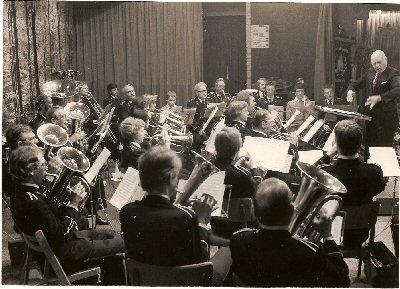 """1970     Uitvoering in zaal \""""De Klok \"""""""
